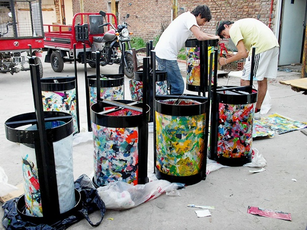 Recycled waste rubbish bins  by Waste for Life. Image by Martin Astorga/Waster for Life.