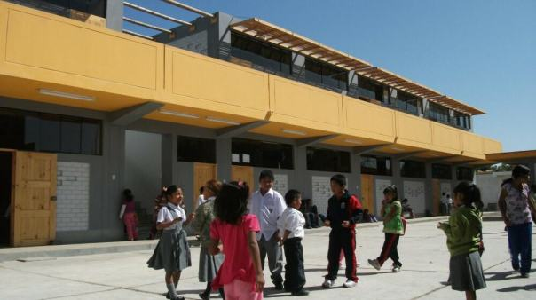 Francisco Perez Anampa School in Peru by Architecture for Humanity