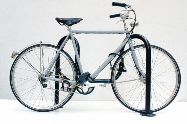 CaMden bike stand by Design Against Crime. Image courtesy of broxap.com