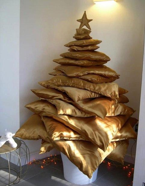 bored-panda-DIY-christmas-trees-31