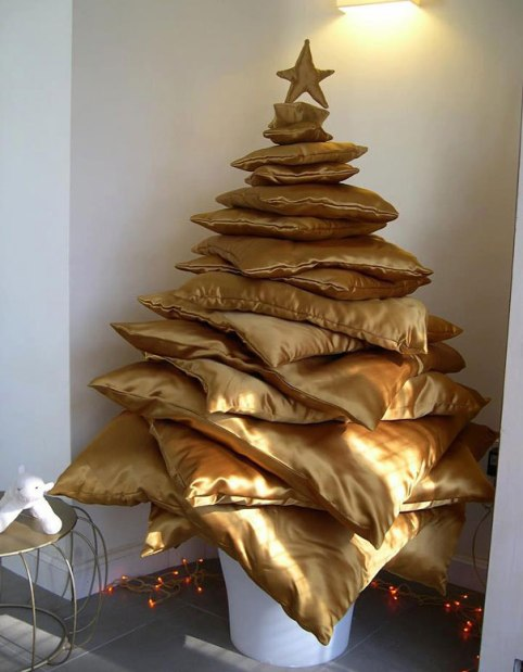 bored-panda-DIY-christmas-trees-31