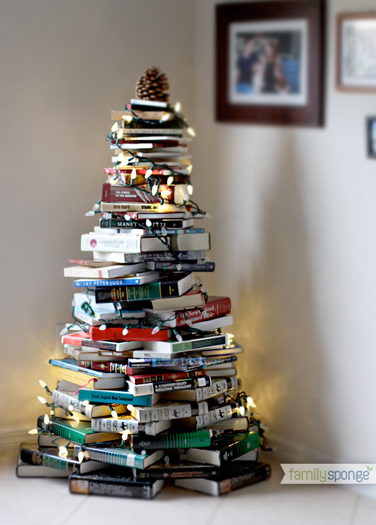 diy-christmas-tree-of-books-1