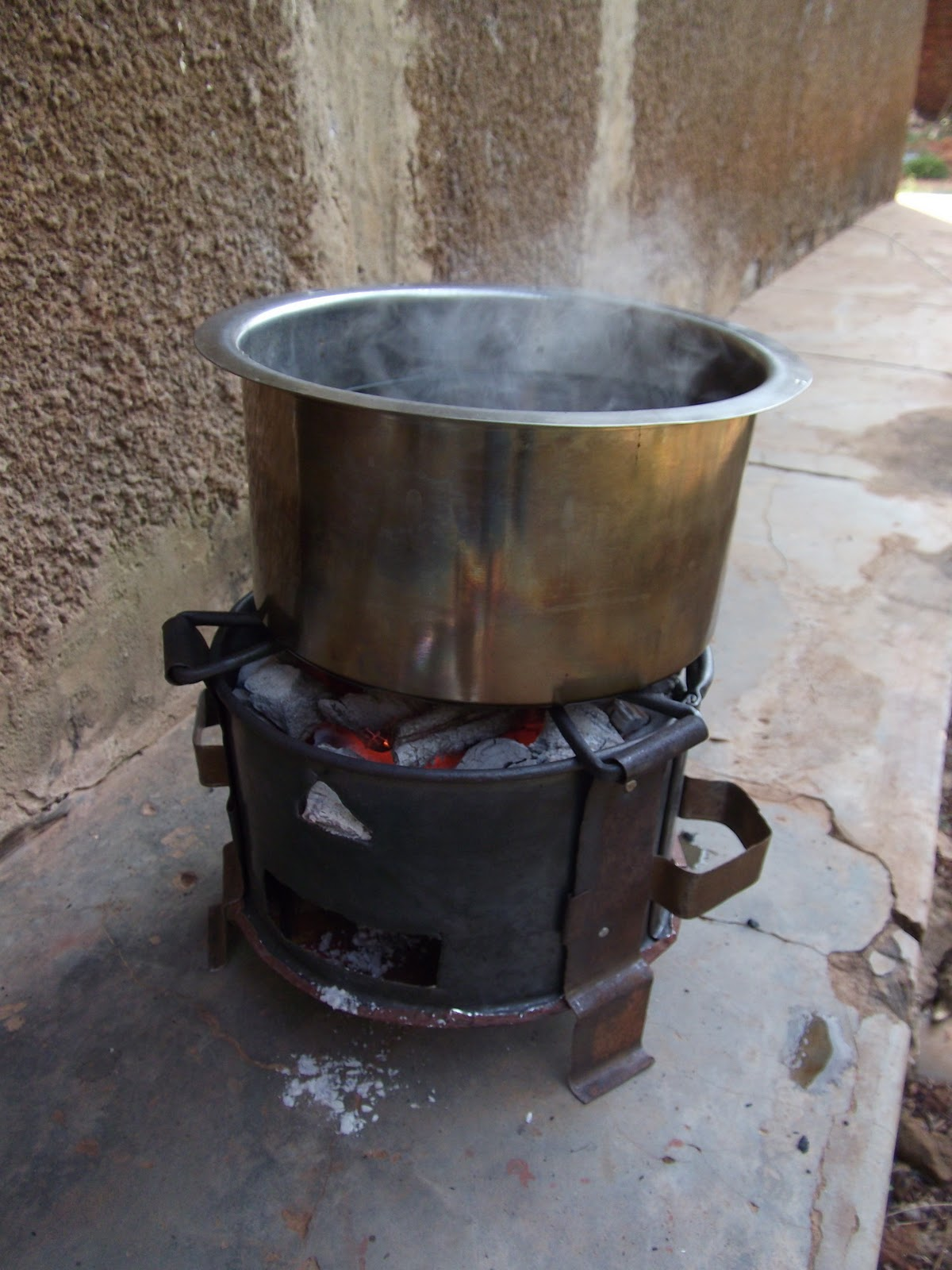 Cooking without a stove - Having Lived In A Mud Hut In Rural Uganda For Almost A Year I Understand The Difficulties Of Cooking Without Power And With A Limited Dirty Fuel Source